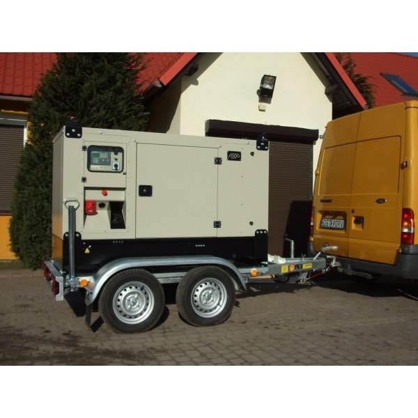 Modernistyczne Agregat Prądotwórczy Fogo FM30 - (30 kVA-24 kW) wersja mobilna na KE05